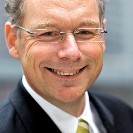 Dr. Carsten-Patrick Meier ist Geschäftsführer und Inhaber von Kiel Economics